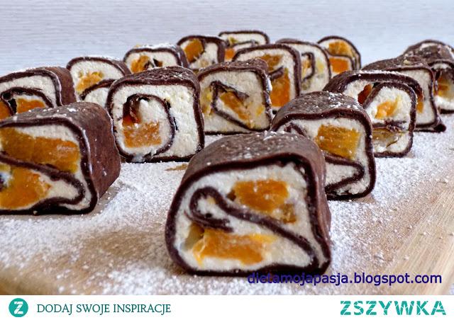 Pyszne roladki kakaowe z pomarańczą.