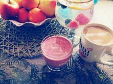 Dzisiejsze drugie śniadanie Jogurt naturalny+mrożone truskawki+borówki+miód=pychota mniam mniam...