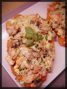 Kotlety drobiowe zapiekane z warzywami, szynką i żółtym serem