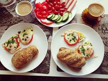 Fit śniadanie dla dwojga i minus 2,5 kg na naszych wagach w ciągu 3 tygodni W prosty sposób... Zmiana trybu życia... Więcej ruchu, a na naszych talerzach coraz częściej goszczą ...