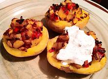 Wege ziemniaki faszerowane warzywami: pieczarkami, papryką i cebulą. Nadziewane ziemniaki pieczone w piekarniku, a dlatego są dietetyczne i fit.