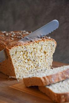 Chleb orkiszowy z płatkami owsianymi i ziarnami na drożdżach. Przepis po kliknięciu w zdjęcie.