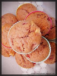 Muffinki z truskawkami i białą czekoladą