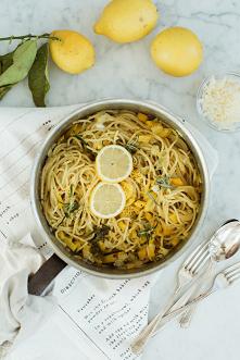 spaghetti ze skórką cytrynową