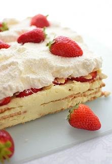 Ciasto rafaello z truskawka...