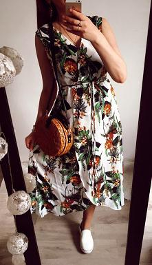 Sukienka w kwiatki. :)