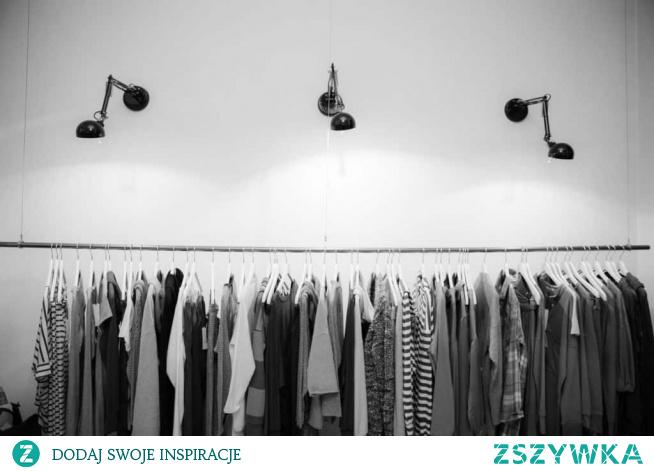 Nasze wskazówki, jaki strój przygotować dla osoby zmarłej