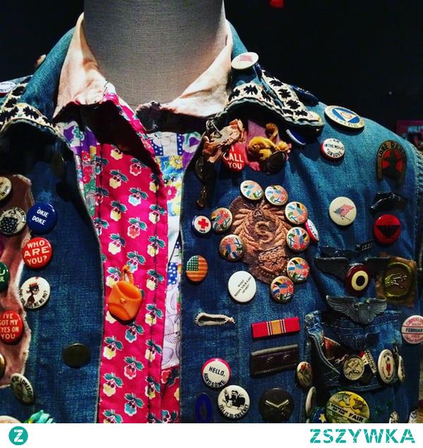 Jak zrobić przypinkę, która będzie świetnym dodatkiem do koszuli, płaszcza czy torebki? Zobacz porady na naszym blogu!
