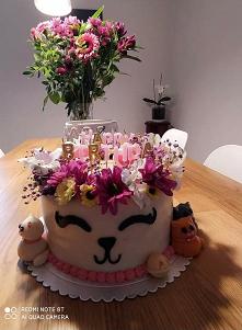 Taki koci tort dostałam na ...