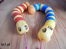 Wąż z nakrętek i plastikowe...