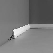 Białe listwy przypodłogowe o oznaczeniu SX159 Orac Decor to gładkie profile o prostym - minimalistycznym kształcie z delikatnym skosem. Listwa podłogowa SX159 Orac posiada wymia...