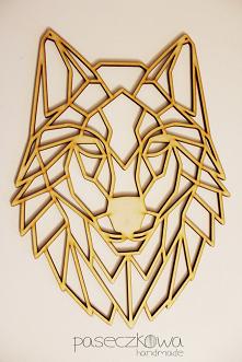 Drewniany geometryczny wilk...