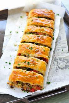 Ciasto francuskie z warzywami i serem