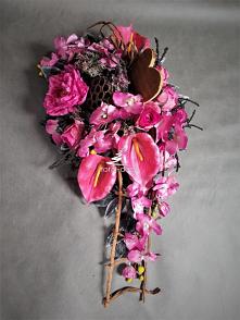 Różowa wiązanka na cmentarz...
