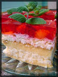 Ciasto Rafaello z truskawkami