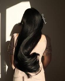 ENG ⤵️ Czy Wam również podobają się zdjęcia włosów w ruchu? Mnie bardzo! Dziś wykorzystałam światło wczesnym rankiem i... Dodaję kilka zdjęć, bo nie mogłam się zdecydować, które...