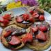 Proteinowe Pancake z czekoladą i owocami