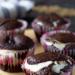 Czekoladowe muffiny z nadzieniem serowym
