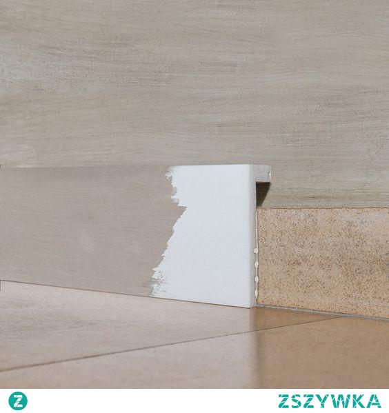 Listwa przypodłogowa regeneracyjna SX171 Square Axxent Orac Decor jest listwą do szybkiej metamorfozy pomieszczenia. Profil pozwala szybko ukryć poprzedni cokół bez jego odrywania. Idealna do projektów renowacyjnych. Listwa podłogowa wodoodporna i dostosowana do malowania. Listwa stworzona do zakrycia starej lub ciężkiej do demontażu listwy. Zwycięzca nagrody Smart Design Award na Intirio 2016.