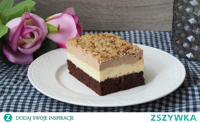 """Ciasto Monte. Inspiracją tego ciasta jest deser """"Monte"""". Na czekoladowym biszkopcie dwie różne masy budyniowe: waniliowa i czekoladowa. Ciasto efektowne i pyszne no i proste w przygotowaniu."""