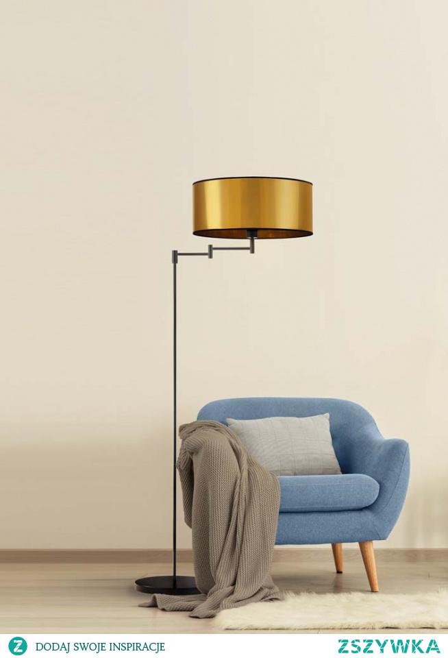 Lampa Podłogowa Cancun MIRROR to niezwykle elegancka i zarazem praktyczna lampa, która zainteresuje osoby, poszukujące do swojego wnętrza oryginalnych dodatków. Ramię lampy oparte jest na przegubie, dzięki któremu można regulować jego rozpiętość i kąt padania światła. Idealnie wpisze się w nowoczesne aranżacje salonu, sypialni czy stanie się efektownym dodatkiem hotelowego wnętrza. Dodatkowym atutem jest włącznik nożny ułatwiający komfort użytkowania. Wysokość lampy wynosi 155 cm. Najwyższa jakość produktu sprawia, że Cancun to wybór na długie lata.  Lampa dostępna jest w dwóch kolorach abażura: złota i miedzi, oraz w czarnym kolorze stelaża.