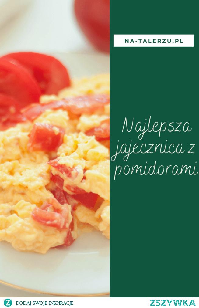 Jajecznica z pomidorami – czy jest bardziej klasyczne śniadanie? Uwielbiam takie sycące posiłki z rana. Żeby przygotować jajecznicę idealną wystarczy trzymać się dwóch kluczowych zasad.