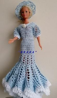 Maj 2020- Błękitna suknia z kapeluszem