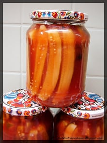 Ogórki w zalewie ketchupowej