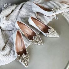 Eleganckie Białe Perła Rhin...