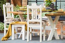 krzesła z rzeźbionymi oparc...