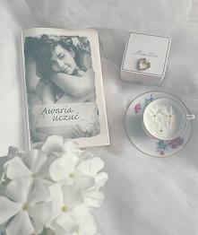 """Witamy :)  Co tam u Was słychać ? Co czytacie ? My właśnie skończyłyśmy czytać """"Awarie uczuć"""" od @joanna.kruszewska.  Jak wskazuje opis z tyłu książki jest to opowieść..."""