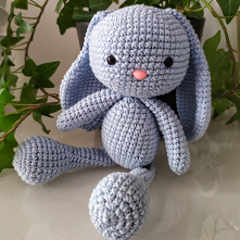 IG: my.bunny_handmade niebieski króliczek wypełniony kulką silikonową z bezpiecznie mocowanymi oczkami i noskiem #mybunny #handmade #maskotka #przytulanka #dladzieci #prezentnar...