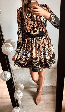 Sukienka w ornamenty dostęp...