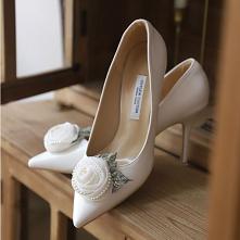 Eleganckie Piękne Białe Satyna Buty Ślubne 2020 Perła Kwiat 9 cm Szpilki Szpiczaste Ślub Czółenka