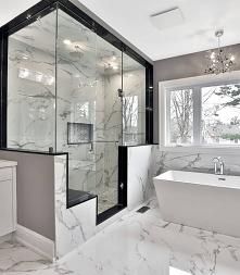 duża łazienka #wnętrze #pie...