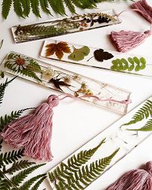 Zakładki do książek z motywami roślinnymi #zakładkidoksiążek #zakładka #resinlovecommunity #resinlove #resinjewelry #resinart #naprezent