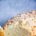 Chałka z mąką żytnią i migdałową kruszonką. Przepis po kliknięciu w zdjęcie.