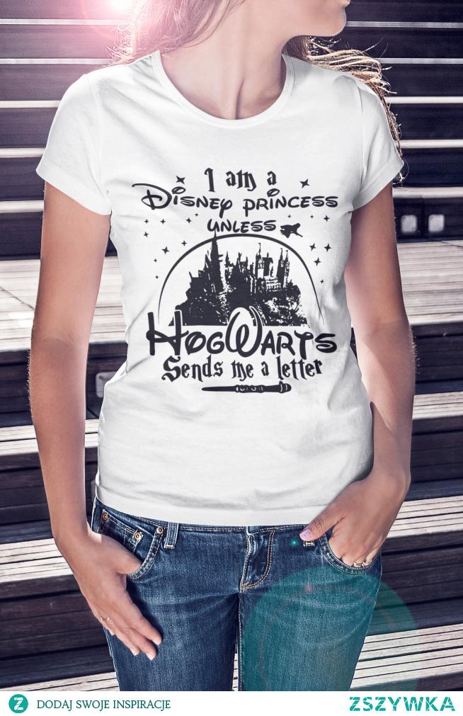 """Koszulka z zabawnym napisem """"I am a Disney princess unless Hogwarts sends me a letter"""" dostępna po kliknięciu w zdjęcie :)"""