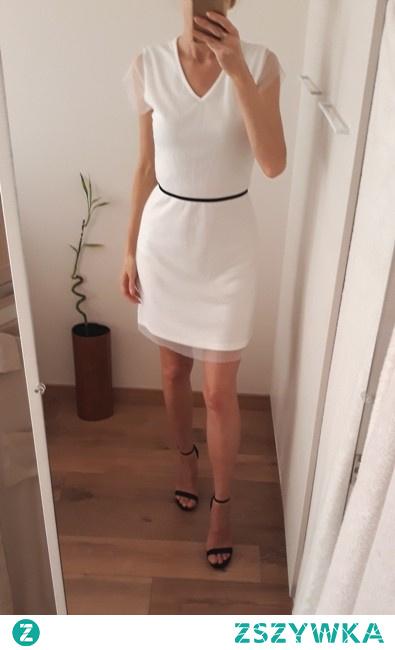 Mała biała sukienka po szczegóły kliknij w zdj.