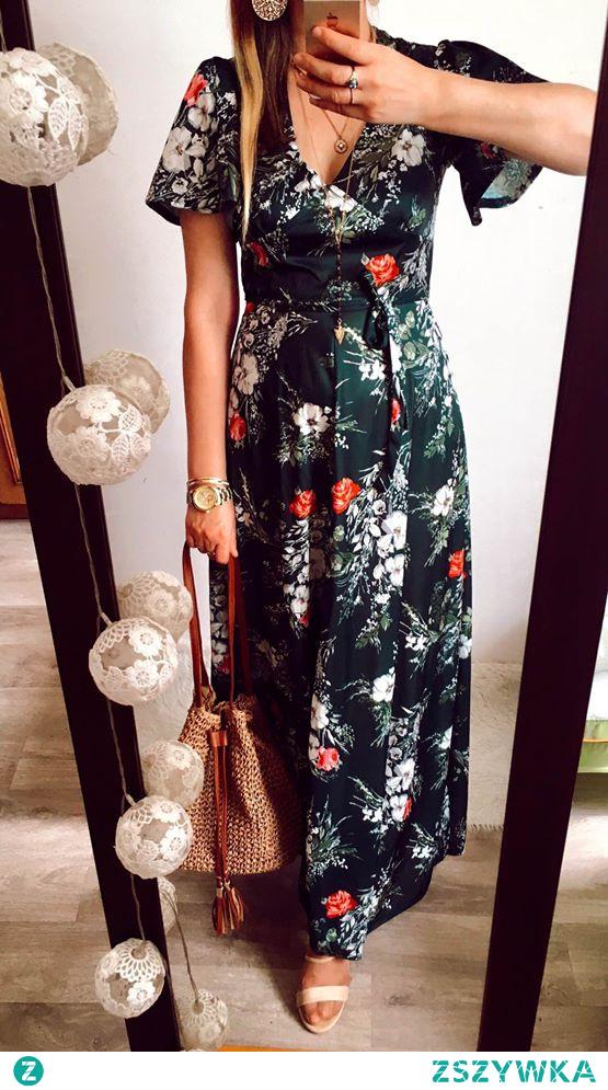 Sukienka w kwiaty CA dostępna na Vinted