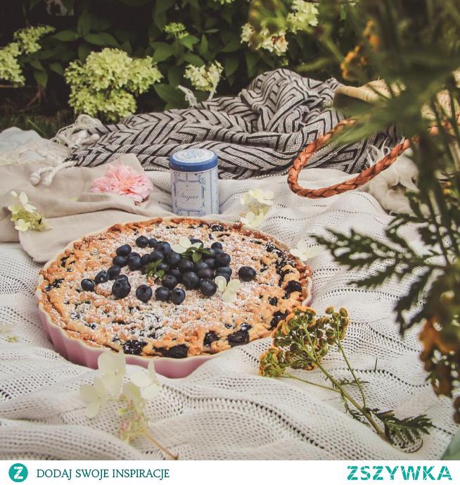 Dziś mam dla Was kwintesencję lata, najlepsze ciasto na piknik - kruche z budyniem i borówkami <3 Musicie go spróbować!:)