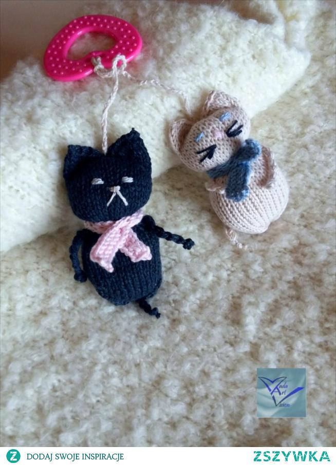 Koty Mamroty. Gryzak, maskotka, grzechotka