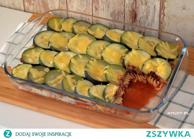 Całej rodzinie smakowała tak, że brali dokładkę :) Sycąca, pysznie doprawiona zapiekanka makaronowa. Łatwa w przygotowaniu.