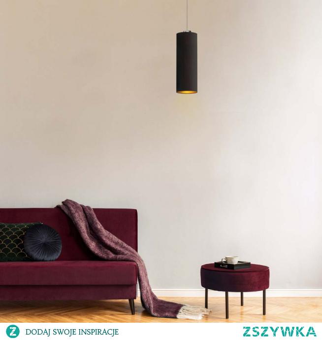 Nowoczesny zwis DENVER GOLD to lampa posiadająca aż 120 cm długości dzięki czemu zastosować ją można nie tylko w charakterze zwykłego żyrandola ale również jako lampkę nocną, umieszczając ją dokładnie nad komodą obok łóżka. Lampa wydaje z siebie niezwykle przyjemną łunę światła, którą zawdzięcza obecności złotego środka abażuru. Faktura wspomnianego wnętrza jest matowa w czarnej , zielonej, szarej i granatowej wersji oświetlenia a połyskująca w białej. Oświetlenie wspaniale się prezentuje i nadaje uroku pomieszczeniu, w którym się znajduje a przy tym jest nadprzeciętnie funkcjonalne.  Żyrandol DENVER dostępny jest w 5 wariantach kolorystycznych abażurów: biały ze złotym wnętrzem (złoty połysk), szary stalowy ze złotym wnętrzem (złoty mat), zieleń butelkowa ze złotym wnętrzem (złoty mat), granatowy ze złotym wnętrzem (złoty mat) oraz czarny ze złotym wnętrzem (złoty mat) oraz 5 kolorach stelaży: biały, czarny, chrom, stal szczotkowana, stare złoto.