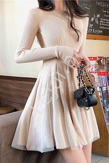 Dzianinowa sukienka z broka...