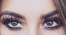 Jak optycznie powiększyć oczy?