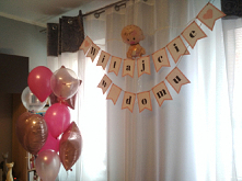 Girlanda na powitanie Mamy i Malucha w domu. Zapraszam do kontaktu.  #girlanda #dekoracje #diy #narodziny #baner #napis #welcomehome #witajciewdomu #mamaidziecko #baby #newborn ...