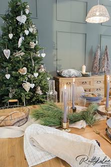 Jadalnia w świątecznym klim...