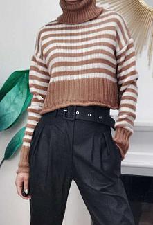 Krótki sweterek w paski carmel. Kliknij w zdjecie by przejsc do produktu sukienkowo.com