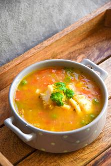 Zupa rybna z papryką i gros...